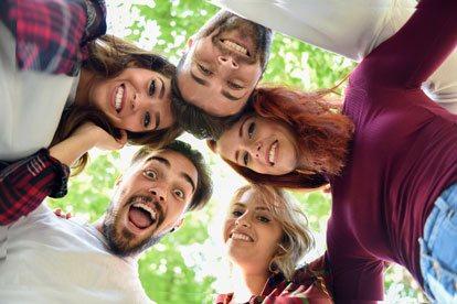 Los mejores signos para una buena amistad con Géminis